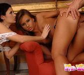 Anal FFM Threesome with Lulu & Sandra 12