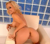 Janny Toying - Pix and Video 10