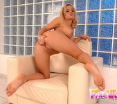 Janny Toying - Pix and Video 12