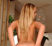 Dorina Gold Toying - Pix and Video 6