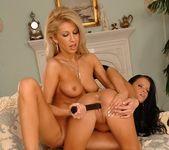 Clara G. & Panthera Nicoll Toying Lesbians 18