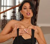 Anetta Keys Toying - Pix and Video 3