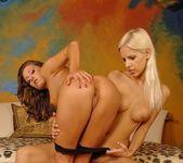 Dirty Lesbians Boroka & Ginger B. 8