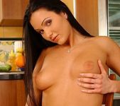 Vanessa Toying - Pix and Video 11
