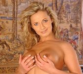 Melanie Toying - Pix and Video 5