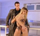 Suzie Carina - Pix and Video 4