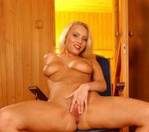 Elinor Toying - Pix and Video 13