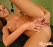 Laura King Playing with herself - Playful Hands 15