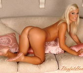 Jessy Wynn Playing - Playful Hands 13