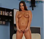 Simony Diamond Playing - Playful Hands 17