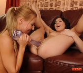 Nikky Thorne & Kaylee Fisting Each Other - Teach Me Fisting 11