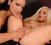 Sabrina Sweet & Jenna Lovely Fisting Girls 14