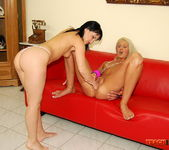 Aleksandra Black & Sindy Love Fisting Girls 15