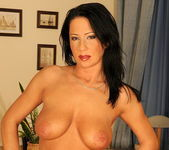 Larissa Dee - Teach Me Fisting 3