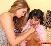 Marcellina - Teach Me Fisting 15