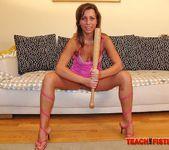 Violetta - Teach Me Fisting 8