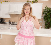Victoria Tyler - Horny House Wife 3
