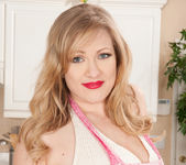 Victoria Tyler - Horny House Wife 4