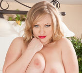 Victoria Tyler - Horny House Wife 13