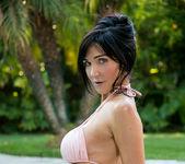 Diana Prince - Poolside Masturbation 7