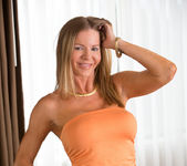 Amber Michaels - Mature And Frisky 2