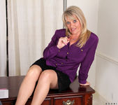 Bobbie Jones - Big Tit Boss Lady 2