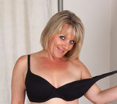 Bobbie Jones - Big Tit Boss Lady 10