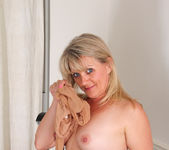 Bobbie Jones - Big Tit Boss Lady 15