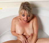 Bobbie Jones - She Likes Toys 7