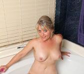 Bobbie Jones - She Likes Toys 12