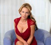 Nikki Sexx - Busty Mature - Anilos 2