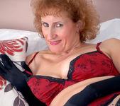Naomi Xxx - Busty Old Lady 6