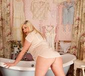 Michelle B - Oily Tits - Anilos 5