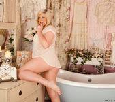 Michelle B - Oily Tits - Anilos 7