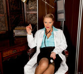 Abi Toyne - Night Nurse - Anilos 5