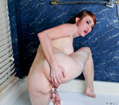 Holly Jane - Glass Toy - Anilos 10