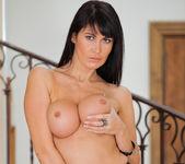 Eva Karera - Couch Pussy - Anilos 13