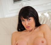 Eva Karera - Couch Pussy - Anilos 20