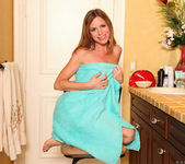 Carly Bell - Shower Touch - Anilos 3