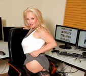 Rachel Love - Office Tits - Anilos 3