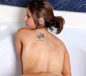 Alexis - Bathtub Fun - Anilos 14