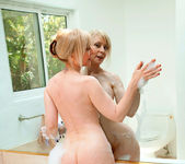 Nina Hartley - Glass Dong - Anilos 7