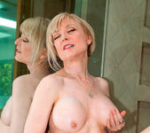 Nina Hartley - Glass Dong - Anilos 10