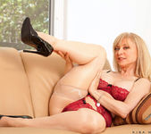 Nina Hartley - Silver Toy - Anilos 2