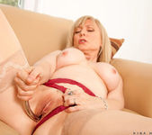 Nina Hartley - Silver Toy - Anilos 20