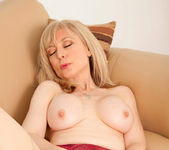 Nina Hartley - Silver Toy - Anilos 21