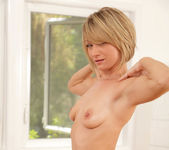 Holly Bryn - Magic Wand Massage 21