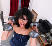 Penelope - Sexy Workout - Anilos 2