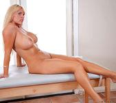 Karen Fisher - Sensual Massage 14