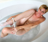 Mindy - Bathroom Pleasure - Anilos 9